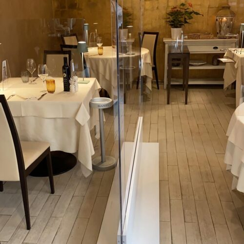 Barriera divisoria in plexiglass (policarbonato) da terra misure 200x100cm 200x150cm 200x100cm 200x50cm spessore 8mm - CST Scenografie